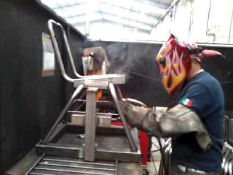 Armado de sillas metalicas para primaria con soldadura mig for Sillas metalicas para comedor