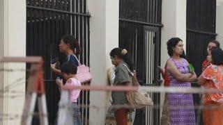 Birmania amnistía a casi 10.000 presos, pero no a periodistas encarcelados