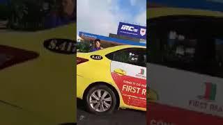 Hình ảnh tuyệt đẹp anh CSGT TP Đà Nẵng giúp tài xế TAXI đẫy xe bị hỏng giữa đường   PHỦ KHAI PHONG