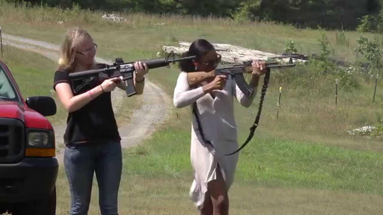 Girl shoots ak 47 - YouTube