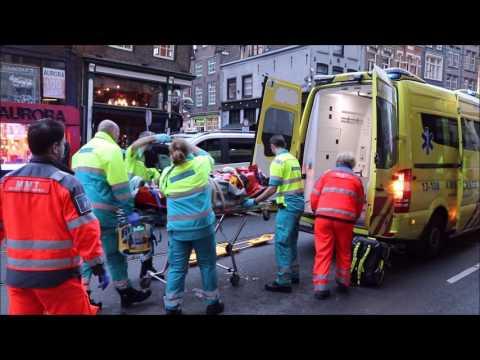 Ernstig ongeval fietsster / taxibus Vijzelstraat Amsterdam.