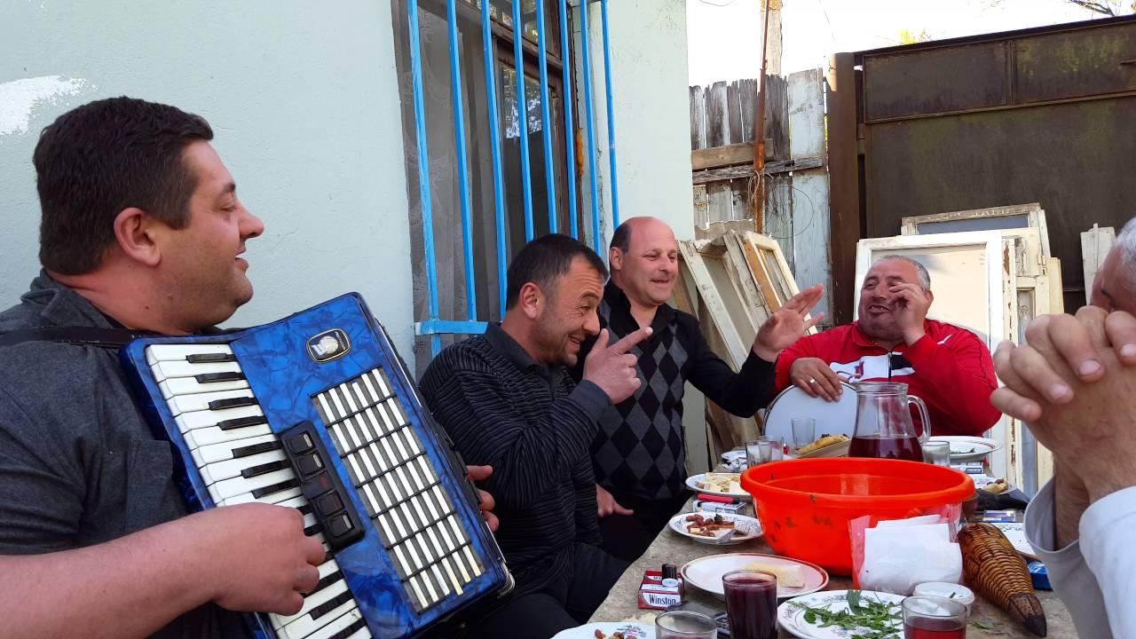 Asetia Qurdi Kacis Bedi Youtube