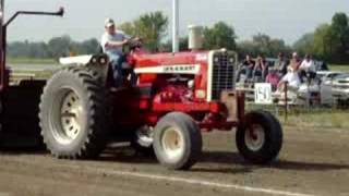 IH 1206 Tractor Pulling
