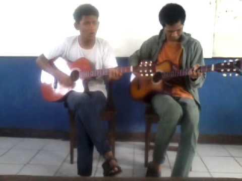 Dhyo haw - ada aku disini gitar cover (Ergy&Akbar)