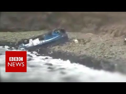 Peru Pasamayo: Bus plunges off cliff - BBC News