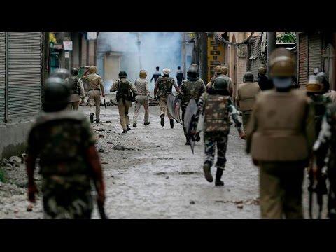 Kashmir Unrest: Police, Army Raid North Kashmir's Ladoora Village, Youth Killed
