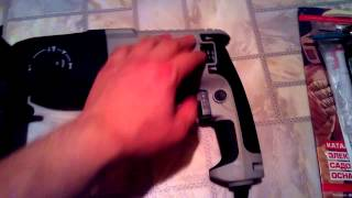 Перфоратор Интерскол П 24 700ЭР(Мини обзор моего перфоратора Преимущества данной модели: Две рукоятки помогают лучше удерживать инструмен..., 2015-01-18T17:52:00.000Z)