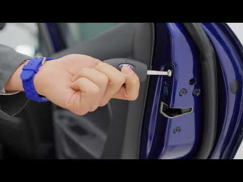How to use your car's child locks | Ford UK