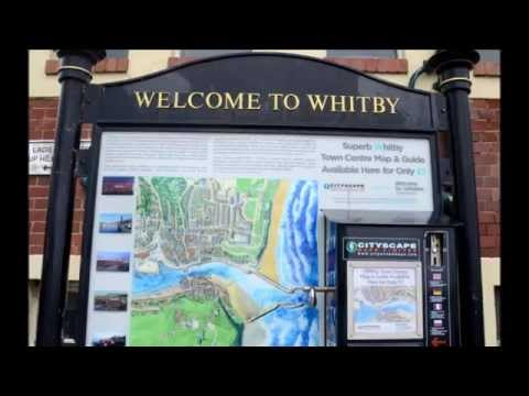 Whitby north yorkshire  seaside tourist town   Photo/Umberto Faraglia