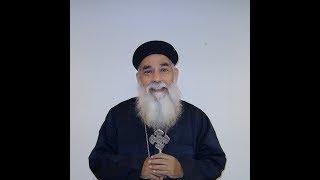 بالفيديو.. القمص مرقس عزيز يدافع عن كرامة المرأة في المسيحية