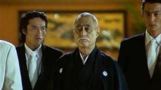 北畠邸への襲撃後、双元会幹事長・東条(勝野洋)を血祭りに上げ、芦田...