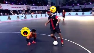 Ronaldinho Destroying Skills & Tricks in Premier Futsal  2017 // 2