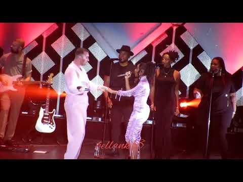 Fancam: (Dancing With a Stranger) Sam Smith & Normani @ Jingle Ball LA 2019 -12/6/19