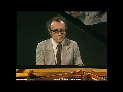 Alfred Brendel plays Schubert 1 -