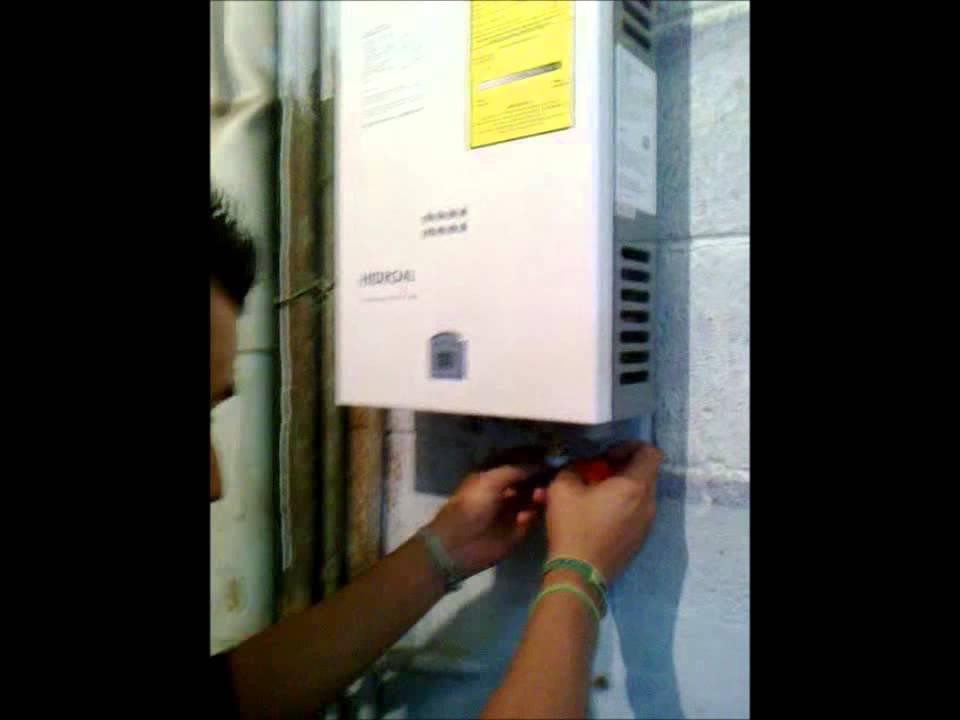 Calentador de agua instantaneo tektino hidro 4 viyoutube for Instalacion calentador gas