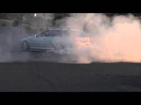 BMW M 540i Touring 4,4l V8 E39 Burnout Donut