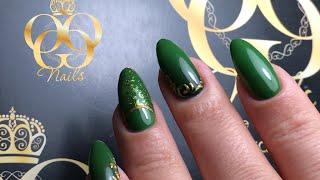 Красивый маникюр с зеленым гель лаком. СТЕМПИНГ гель-краской. Литье, вензеля, градиент.