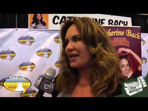 2015 Niagara Falls Comic Con  Catherine