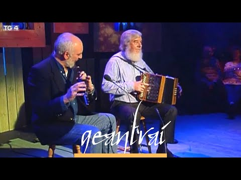 Matt Molloy ,Flute  Joe Burke, accordion  Geantraí 1997