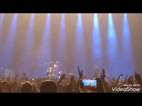 Green day,  Holiday,  Turin,  Revolution Radio Tour,  Huawei Mate 9, Live