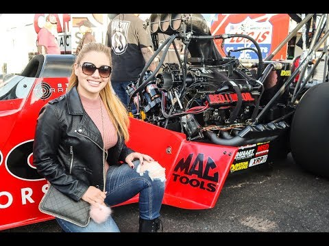 MY FIRST TIME AT THE NHRA DRAG RACES...I LOVE IT!