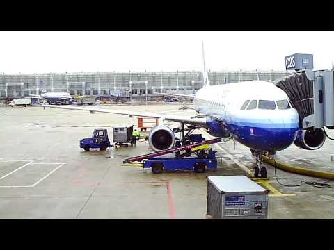 United Airlines A320 Ground Operation Chicago O'hare Airport