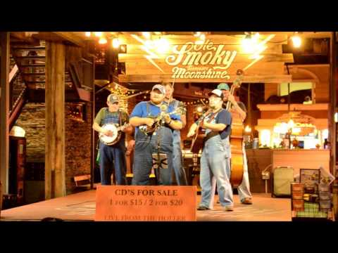 Midnight Run (Bluegrass) Live @ The Holler Gatlinburg,Tn  Ole Smoky TN Moonshine