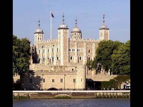GREAT BRITISH CASTLES; STATELY HOMES & HOUSES