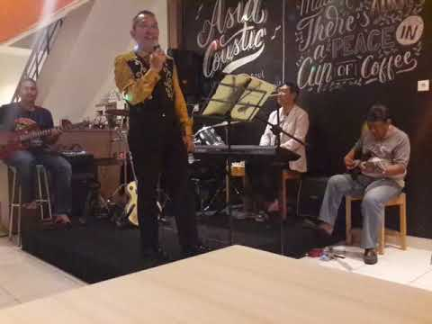 Asia coustic live in asia seafood tower