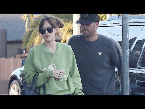 Dakota Johnson and Chris Martin, The Couple is Spotted K155ing During Romantic Date in LA