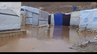 أخبار عربية | المياه تغرق خيم اللاجئين في بلدة عرسال اللبنانية