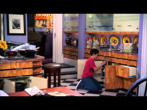 Сериал Disney - Джесси (Серия 12 Сезон 2) Почему противоположности притягиваются?
