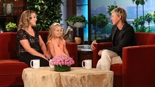 Adorable 'Frozen' Mom and Daughter Are Here thumbnail