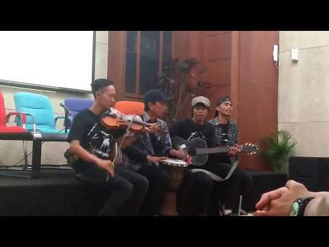 Komunitas Suara Elang lagu sendiri lagumantap