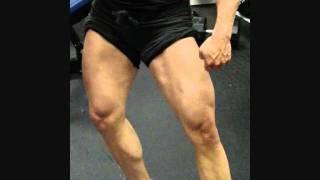 female bodybuilder justine dohring gym posing