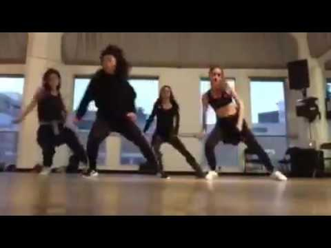 Cinta Laura Berlatih Dance di International Dance Academy Hollywood!