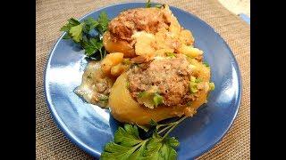 Картофель, фаршированный мясом, в грибном соусе