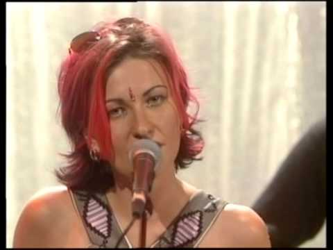 Alisha's Attic - Alisha Rules the World (live) + interview (Recovery, 22/3/1997)