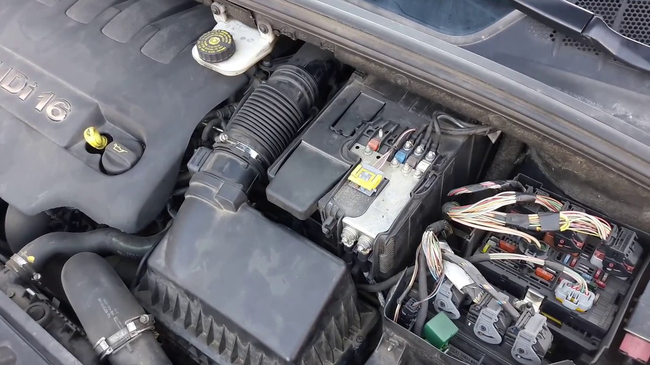 Peugeot 308 Quitar Y Remplazar O Cambiar Bateria Youtube