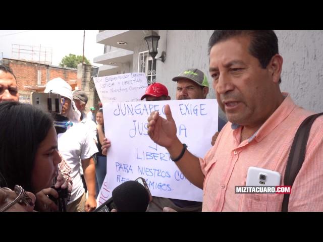 Manifestación en #Zitácuaro tras detención del Alcalde de #Jungapeo