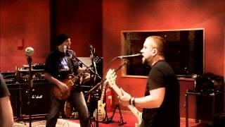 "SKULLBOOGEY ""The Wolves"" Live @ performance studios ffm"