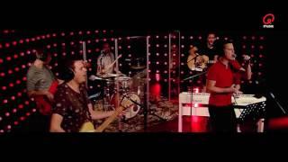 Sam & Heidi: Niels & Wiels - Een Beetje Anders (Rode Neuzen Dag-Lied 2016) (live bij Q)