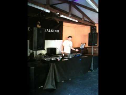 Guilherme S.D [Grow Music & Artists] @ Funky Beats - 30/06/2012 - Curitiba - Brazil