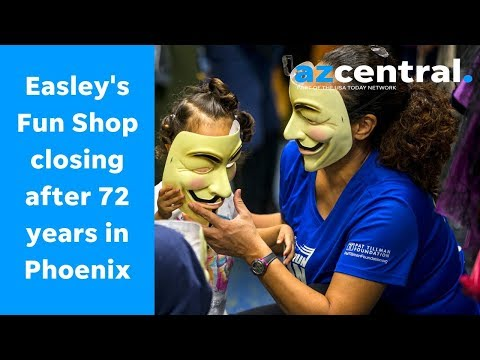 An iconic costume shop in Phoenix is having its last Halloween