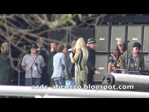 AC/DC Angus Young and Axl Rose in Lisbon 2016