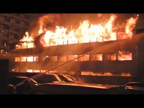 川崎市の簡易宿泊所火災  2人死亡18人けが