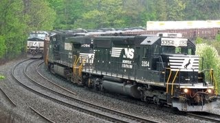 2 Trains Race WB at Horseshoe Curve!