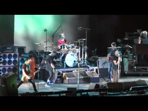 Pearl Jam - Rio de Janeiro, Brasil (2011) [FULL DVD]
