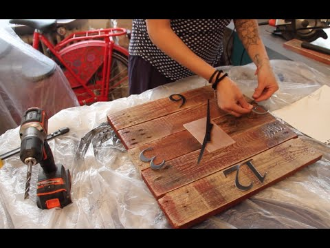 diy fabriquez une horloge en bois youtube. Black Bedroom Furniture Sets. Home Design Ideas