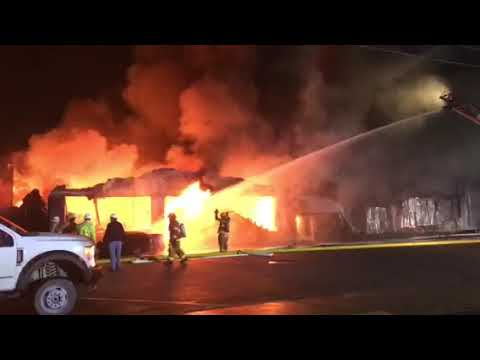 Fire destroys Sirs Fabrics in Fayetteville